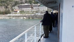pe vapor spre Athos